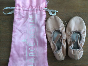 Kids ballet shoes Ashmore Gold Coast City Preview