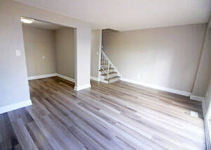 Renovated & Large 3 Bed Townhome in Hamilton - Must See!