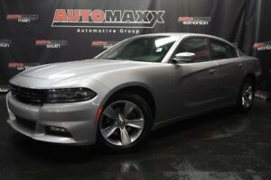 2017 Dodge Charger SXT AWD w/Sunroof!