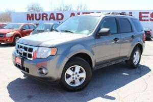 2012 Ford Escape !!! LEATHER HEATED SEATS !!! SUNROOF !!!