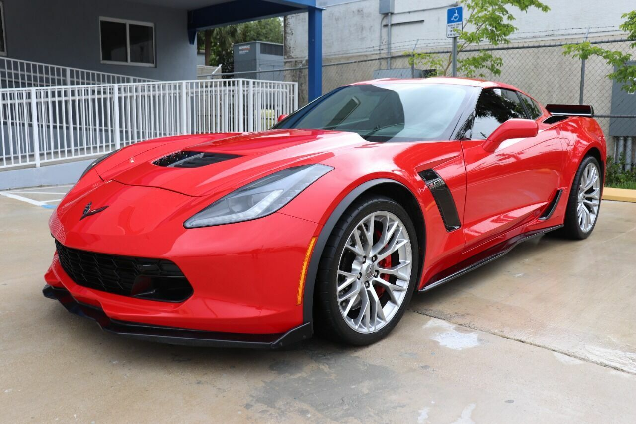2016 Red Chevrolet Corvette Z06 3LZ | C7 Corvette Photo 2
