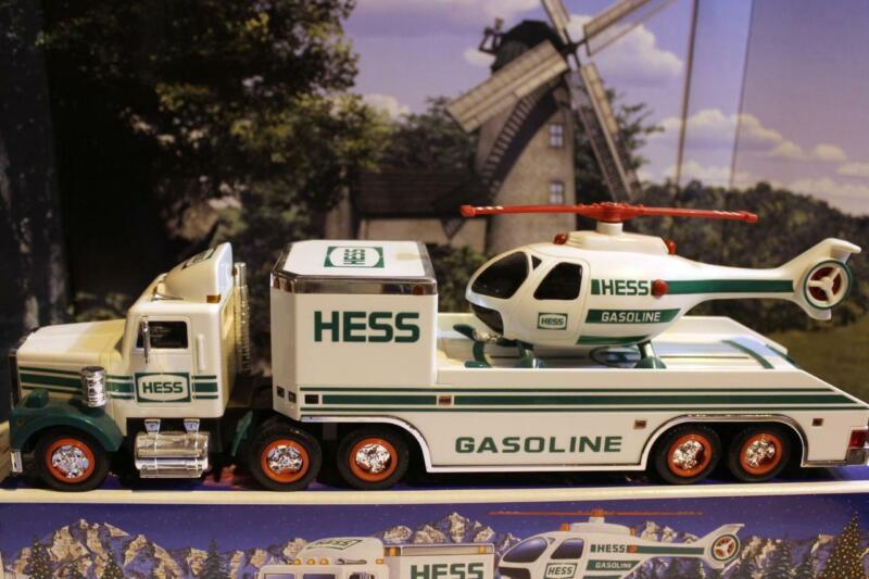 HESS TRUCK- 1995 - TOY TRUCK W/HELICOPTER - NEW- S1