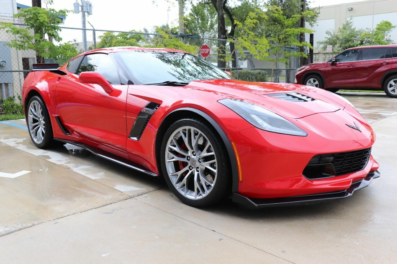 2016 Red Chevrolet Corvette Z06 3LZ | C7 Corvette Photo 4