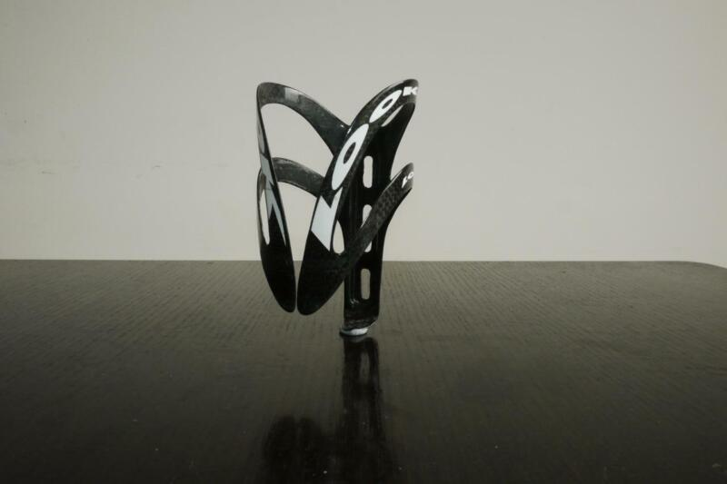 LOOK CARBON BOTTLE CAGE IN VERY GOOD CONDITION