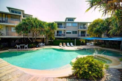 Short Term accommodation – Resort Living – Walk to Beach!!