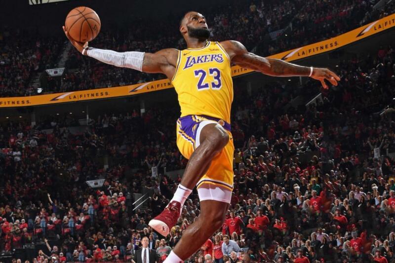 Lebron James Lakers NBA Basketball Poster 8x10 11x17 16x20 22x28 24x36 27x40 A