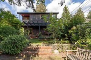 6441 FOX STREET West Vancouver, British Columbia