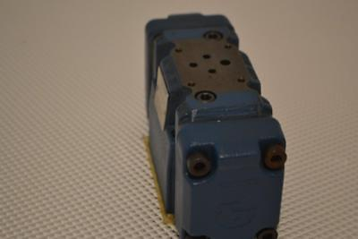 One Used Rexroth Directional Spool Valve 4weh10e44.
