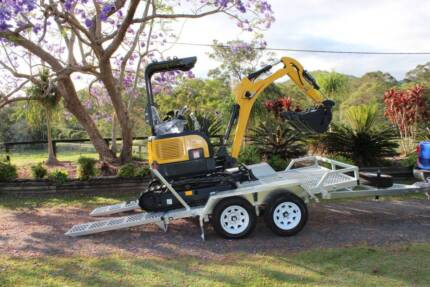 Delivery AU Wide CT16 Digger with Trailer Package