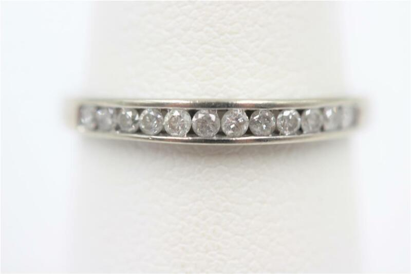 GORGEOUS 10K SOLID WHITE GOLD 12 AUTHENTIC DIAMONDS SIZE 6.75 BAND