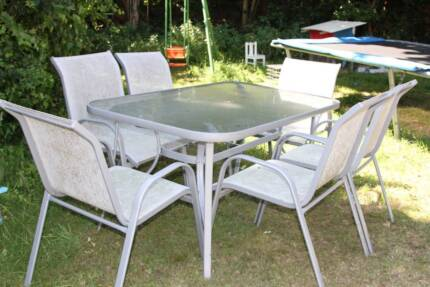 Outdoor table & chairs Northbridge Willoughby Area Preview