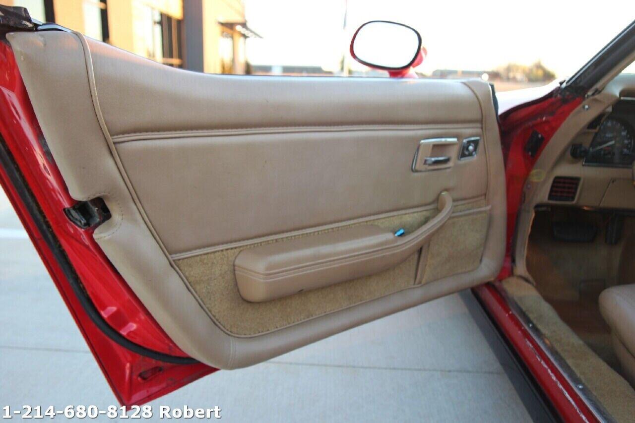 1981 Red Chevrolet Corvette Coupe  | C3 Corvette Photo 8