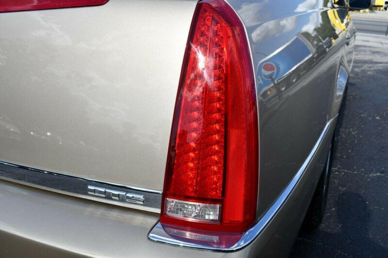 Image 17 Voiture Américaine d'occasion Cadillac DTS 2006