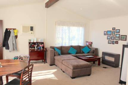 INCLUDES ALL BILLS - Spacious 2 bedroom apartment / granny flat Heathmont Maroondah Area Preview