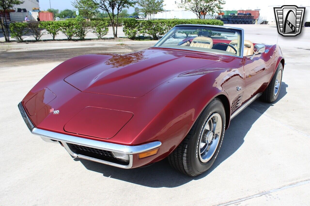 1971 Maroon Chevrolet Corvette   | C3 Corvette Photo 3