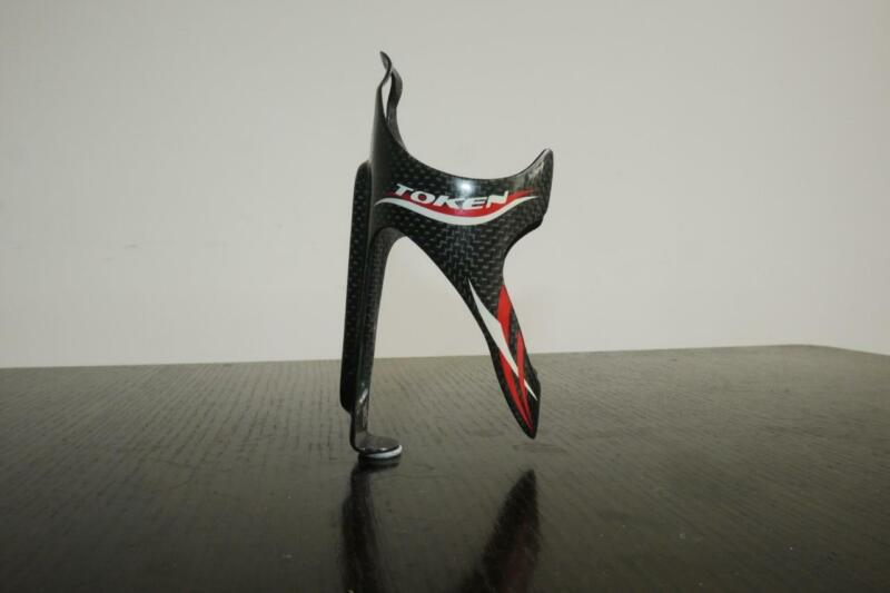 TOKEN CARBON BOTTLE CAGE IN VERY GOOD CONDITION