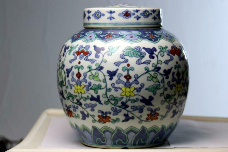 Chinese Porcelain Jar Yongzheng  Doucai Floral Tea Caddie