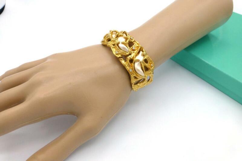 TRIFARI JONATHAN BAILEY SCULPTURESQUE Pearl Brutaist lGold-tone Cuff Bracelet