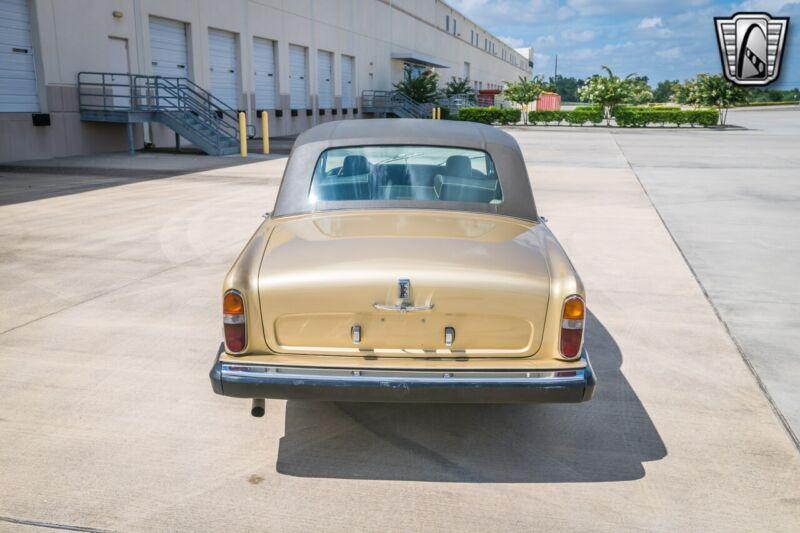 Image 12 Coche Americano de época Silver Shadow 1975