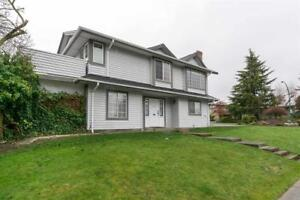 15598 ROPER AVE AVENUE White Rock, British Columbia