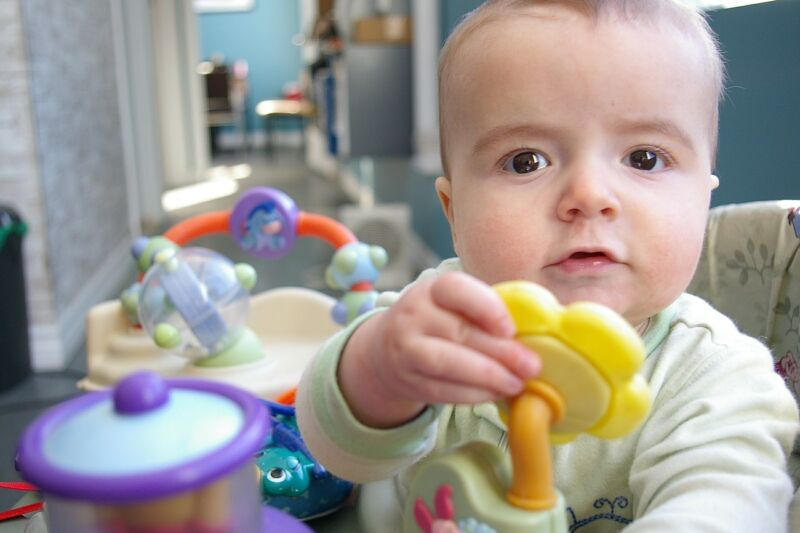 Build baby 39 s fine motor skills with the latest toys ebay for Toys to develop fine motor skills in babies