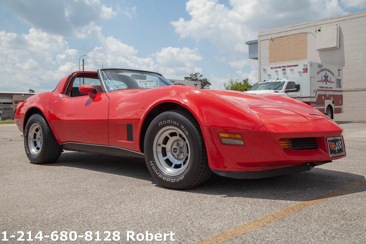 1980 Red Chevrolet Corvette   | C3 Corvette Photo 2
