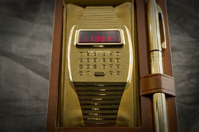 Solid 18k 750 Gold PULSAR LED LCD Calculator Digital Watch w/ Box, Pen & Papers