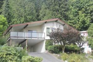 655 FORESTHILL PLACE Port Moody, British Columbia