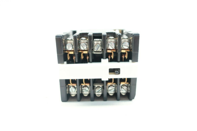 General Electric Ge CR120A02222AA Industrial Relay 120v-ac Ser A