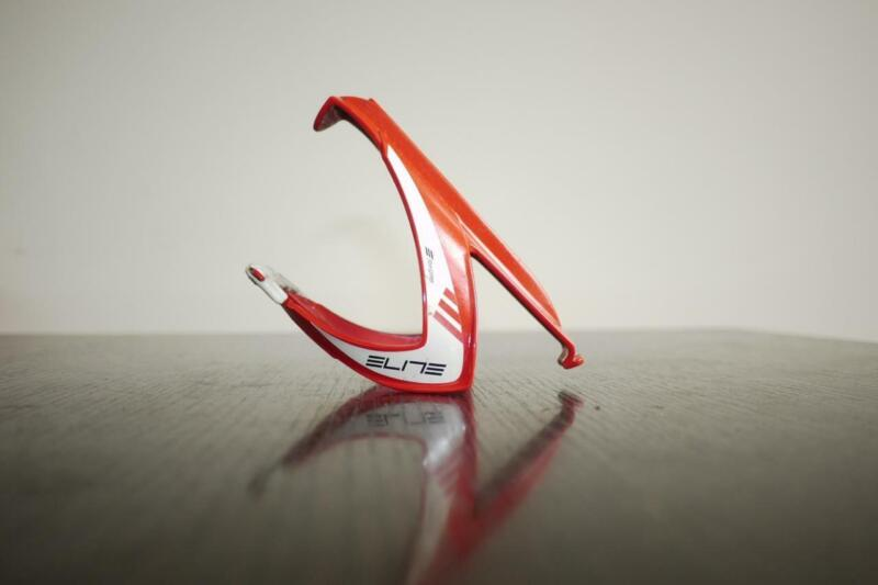 SINGLE RED ELITE RACE BOTTLE CAGE IN VERY GOOD CONDITION