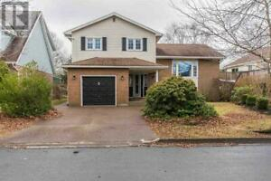 5 Amberwood Court Clayton Park, Nova Scotia