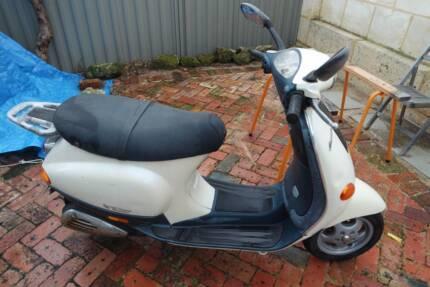 Vespa 2005 ET2 50cc