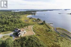 100 McGinnis Road Mahone Bay, Nova Scotia