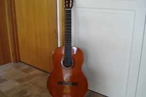 Yamaha C40 Classical Guitar plus case and tuner. Point Lonsdale Outer Geelong Preview