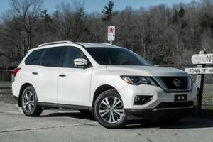 2017 Nissan Pathfinder SL/ AWD with BALANCE OF NISSAN WARRANTY