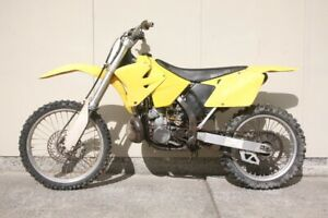 Parting out 01 Suzuki RM 250