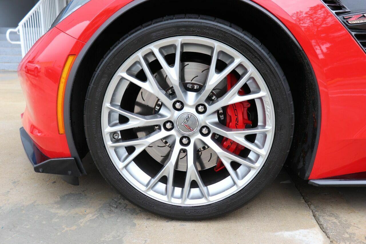 2016 Red Chevrolet Corvette Z06 3LZ | C7 Corvette Photo 9