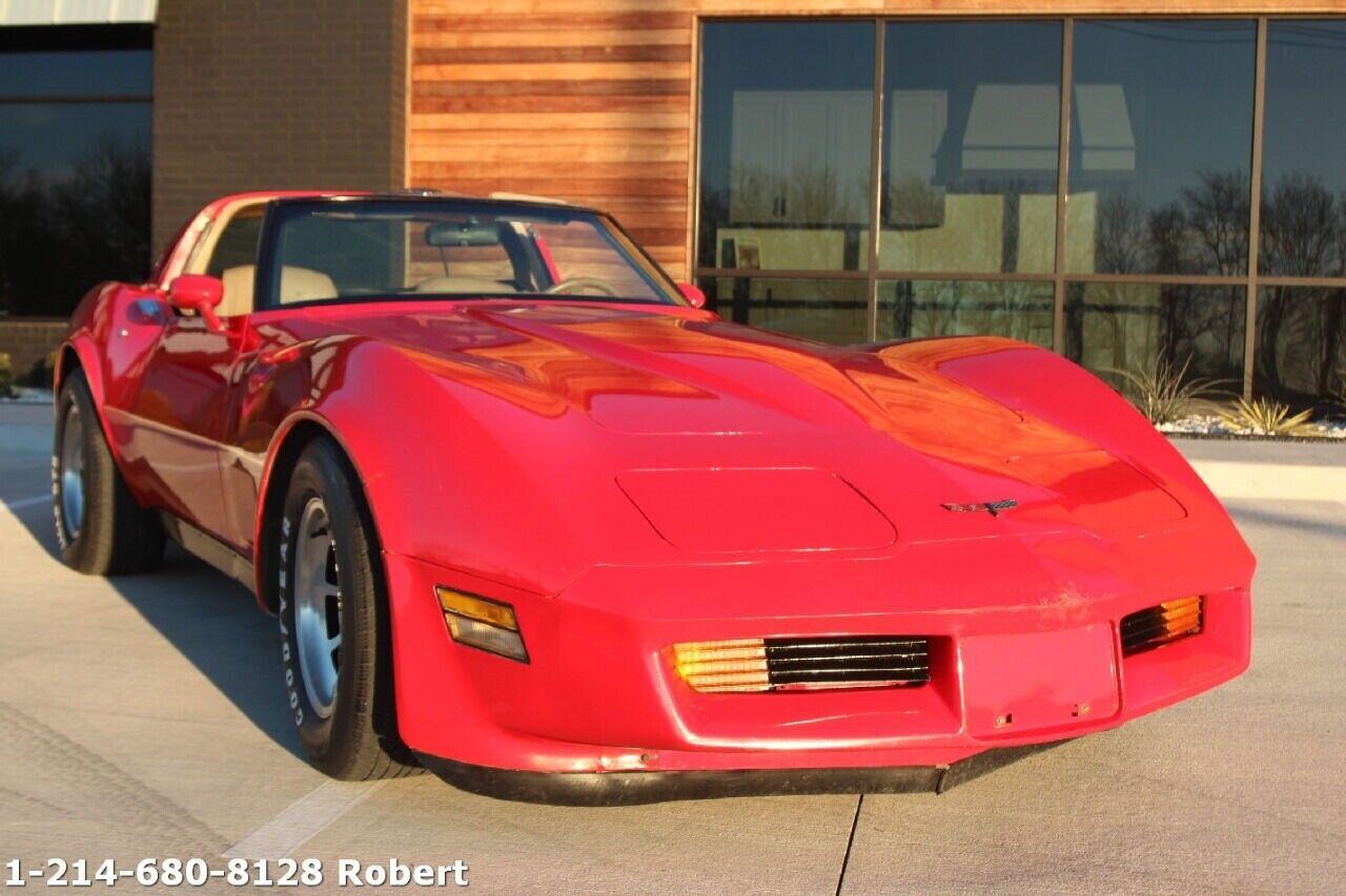1981 Red Chevrolet Corvette Coupe  | C3 Corvette Photo 4
