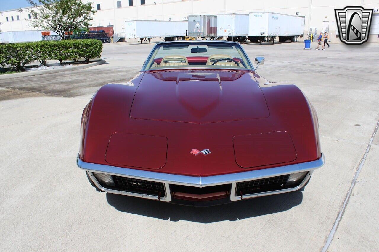 1971 Maroon Chevrolet Corvette   | C3 Corvette Photo 10