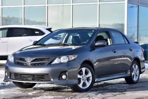 2011 Toyota Corolla S MANUELLE TOIT MAGS MANUAL AC CRUISE ROOF M