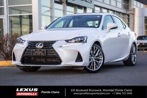 2017 Lexus IS 300 GROUPE DE LUXE, SEULEMENT 8295 KMS! LUXURY PAC
