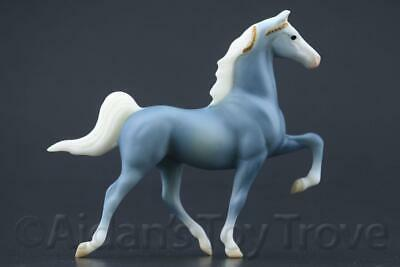 Breyer Mini Fanfare Wedgewood Stablemate G1 Saddlebred - Blue Decorator 701705