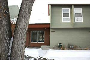 5363 HILL VIEW CR NW Edmonton, Alberta