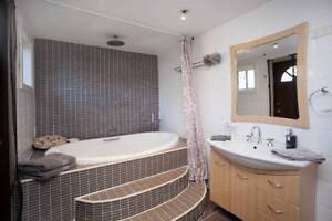 - La Casa, Tuncurry: 2 Bedroom Apartment with a Spa - Tuncurry Great Lakes Area Preview