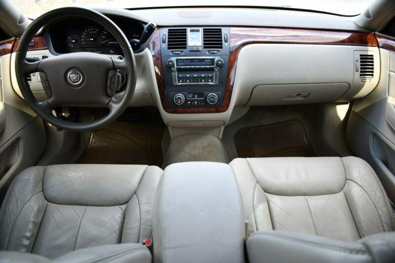 Image 2 Voiture Américaine d'occasion Cadillac DTS 2006