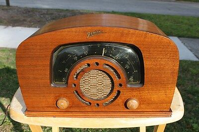 Zenith Art Deco Wooden Radio