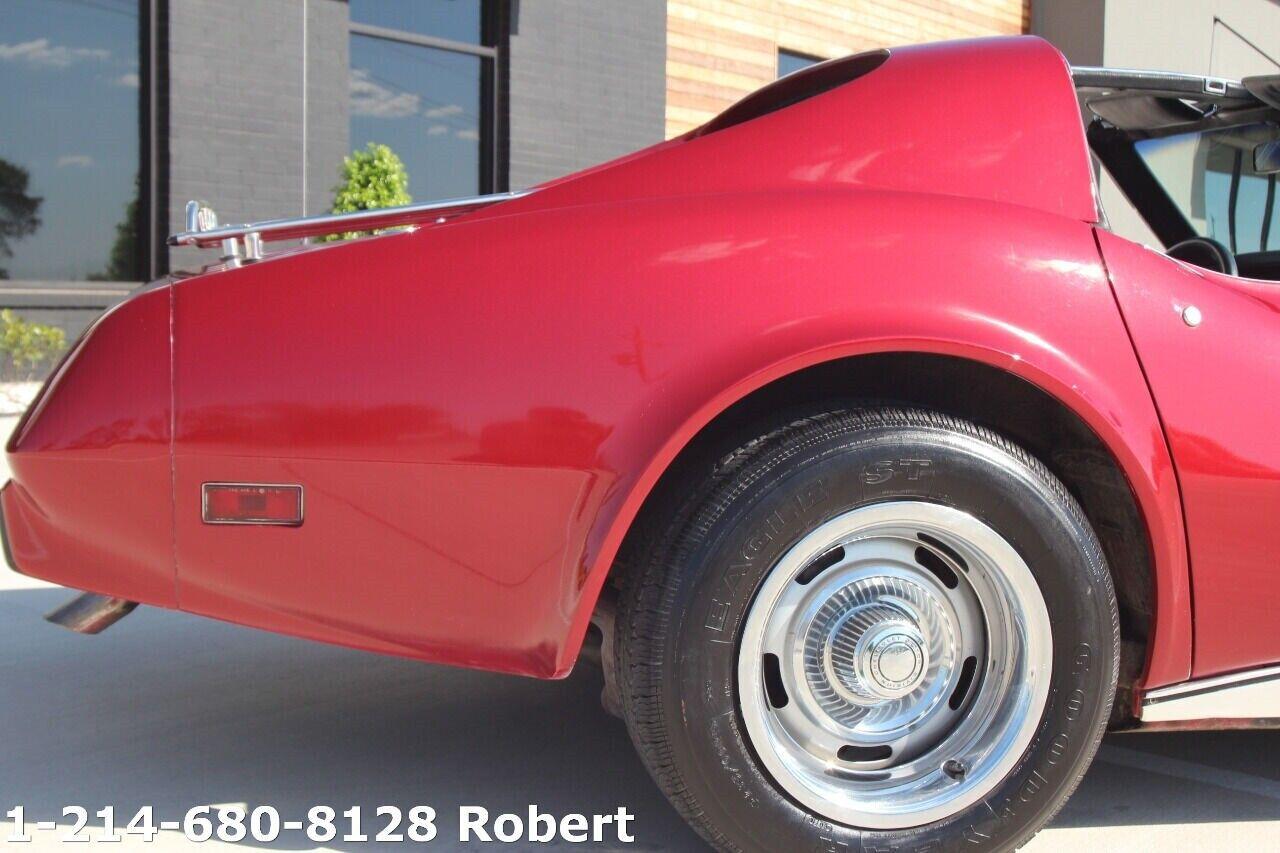 1976 Red Chevrolet Corvette Stingray    C3 Corvette Photo 8