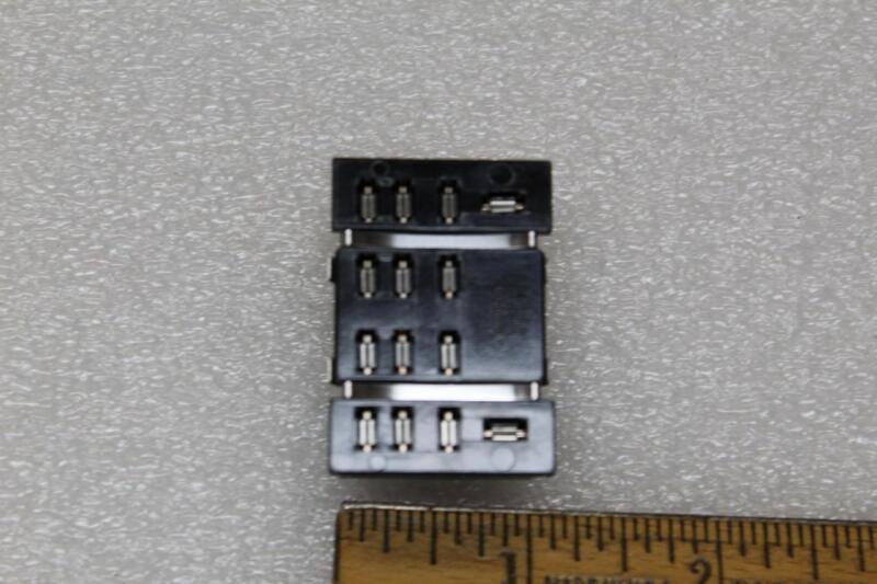 Philips ECG RLY9157 Panel Mount 14 Pin Blade Socket