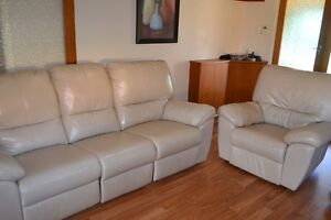 Ivory Genuine Leather Lounge Suite Klemzig Port Adelaide Area Preview
