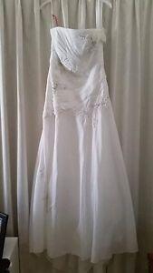 **BRAND NEW** wedding dress size 12 Heathridge Joondalup Area Preview